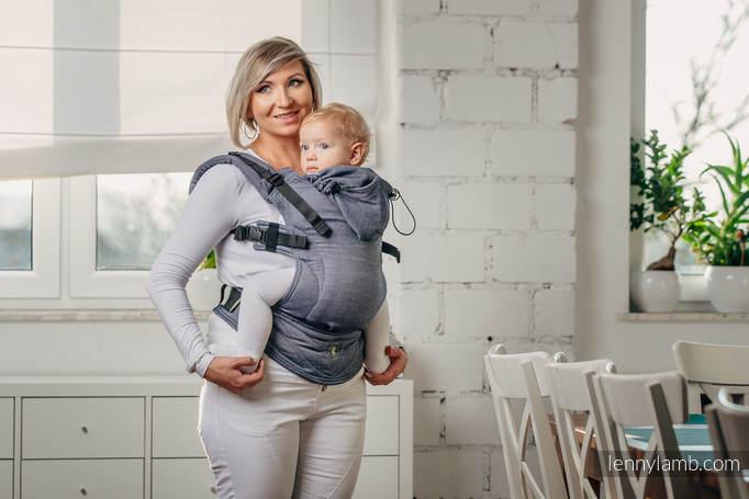 Une écharpe Ou Un Portebébé - Porte bébé souple